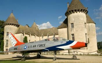 Château de Savigny-les-Beaune, Avion de Chasse