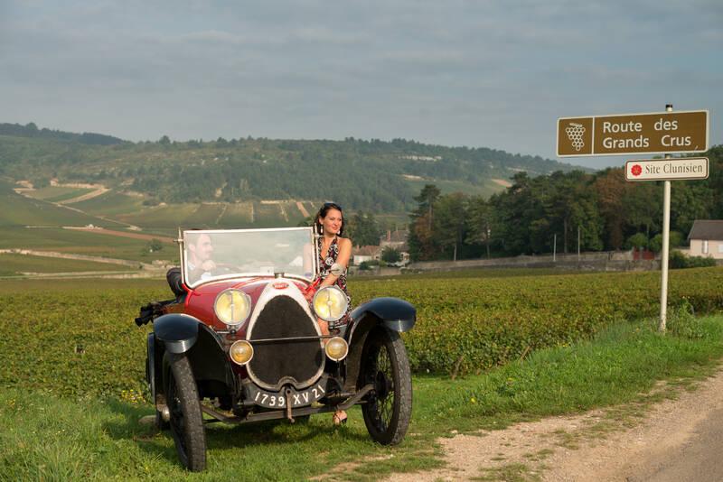 Bugatti dans les vignes, route des grands crus