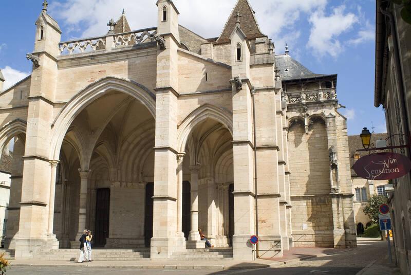 Die Stiftskirche Notre-Dame de Beaune