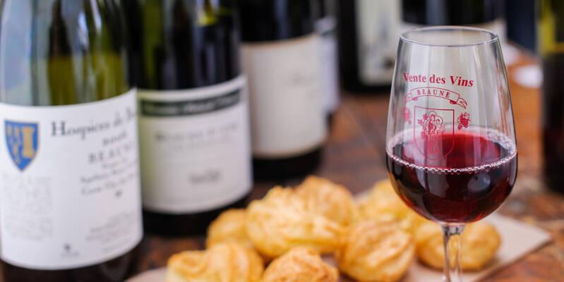 """Wein & """"Gougères"""" © Michel Joly"""