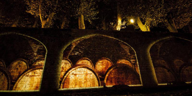 Les Chemins de Lumières de Beaune - Les Remparts se transforment en cave © Mairie de Beaune
