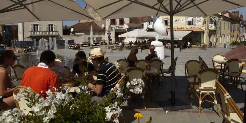 pause gourmande en terrasse Place d'Armes