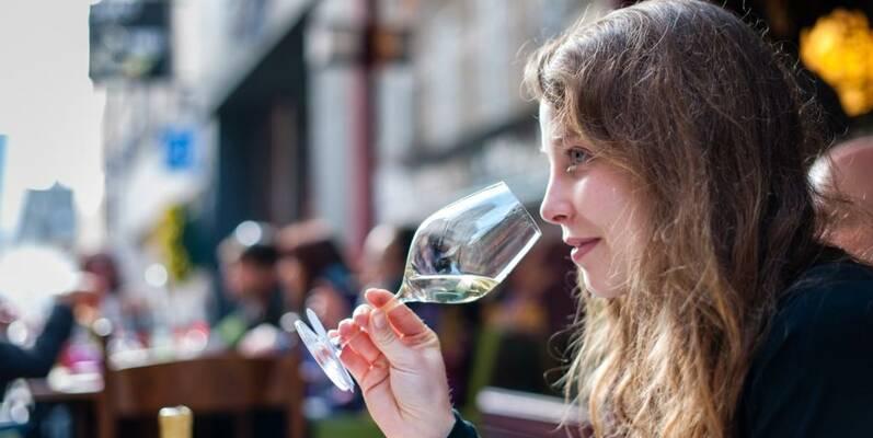 Vente des Vins-Dégustation en terrasse ©MichelJoly